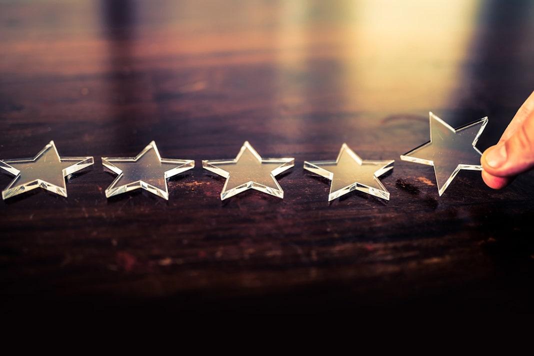 imagem de estrelas representando o employer branding