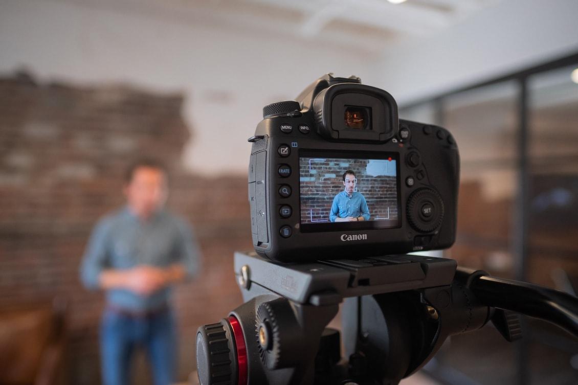 Mais eficiência no treinamento de colaboradores com vídeos online